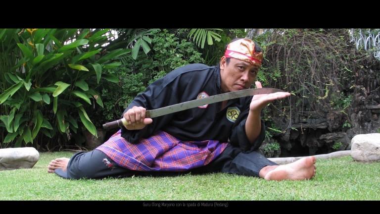 Guru O'ong  sikap spada Bawean style 01