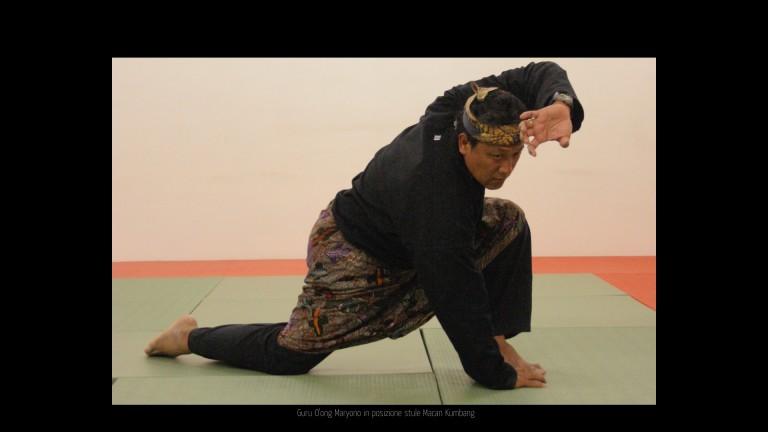 Guru O'ong  sikap Macan Kumbang style 01